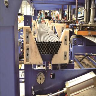 電磁搬運式鋼管六邊成型堆垛包裝線